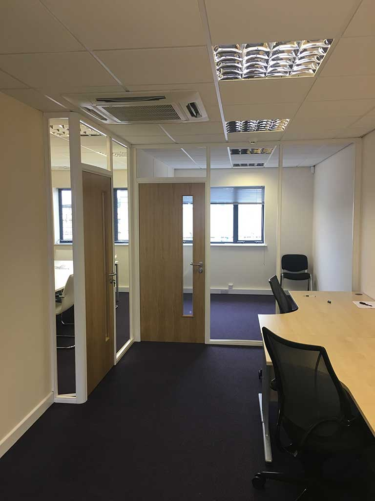 Budget Office Partitions for DGauge Derby